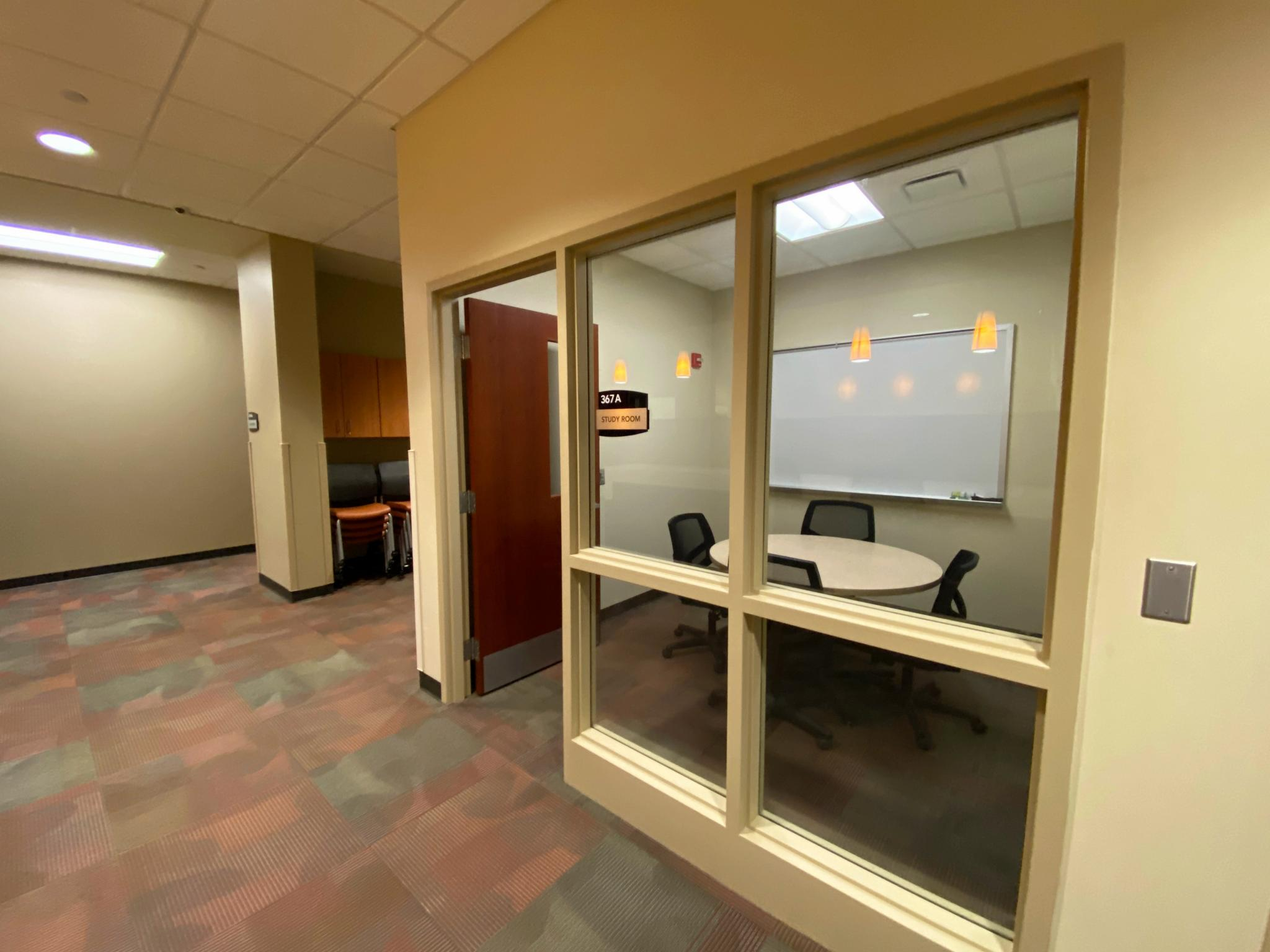 photo of collaboration room with windows