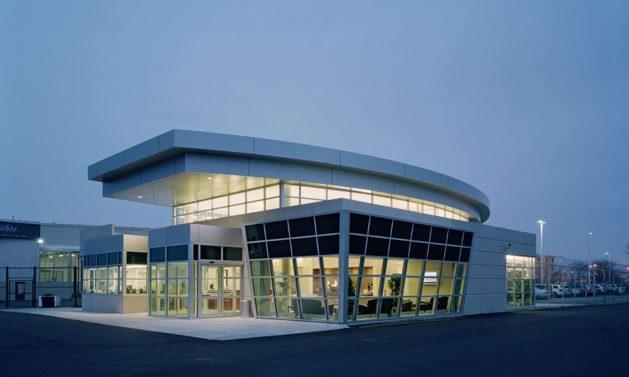 Signature Flight Supprt Executive Terminal Exterior 1